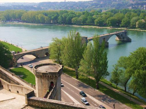 The famous Saint-Benezet Bridge in Avignon - Le Pont Saint-Benezet à Avignon